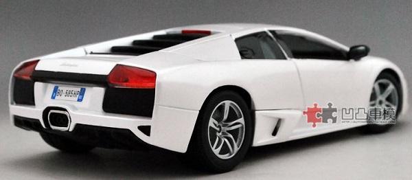โมเดลรถ โมเดลรถเหล็ก โมเดลรถยนต์ Lamborghini LP640 white 2