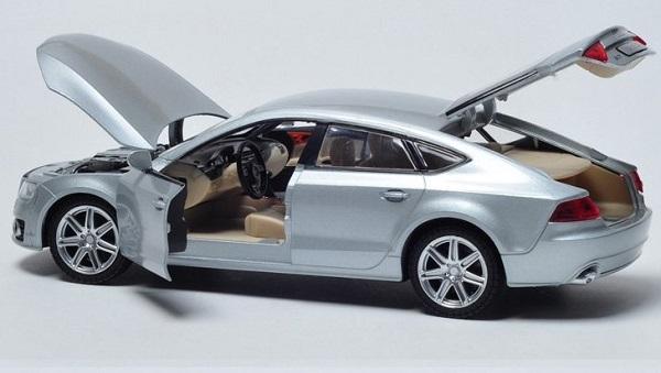 โมเดลรถเหล็ก โมเดลรถยนต์ Audi A7 เงิน 4