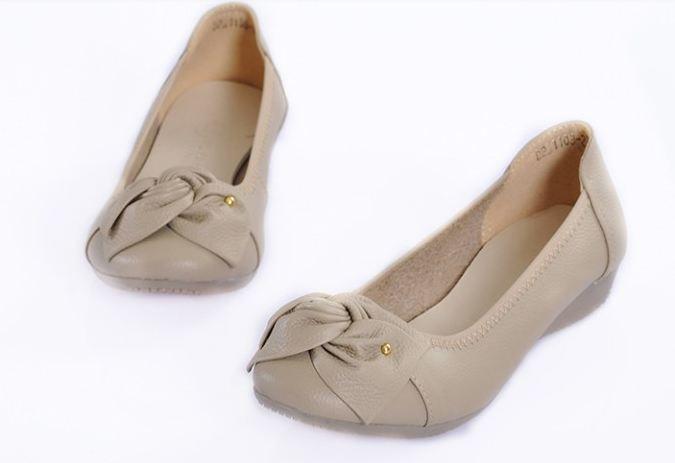 รองเท้าหุ้มส้น ผู้หญิง รองเท้าหนังแท้ ใส่เที่ยว ใส่ทำงาน ด้านหน้า ดีไซนติดโบว์ ใส่สบาย รองเท้าผู้หญิง ใส่ทำงาน สี กากี ราคาถูก no 77216_3