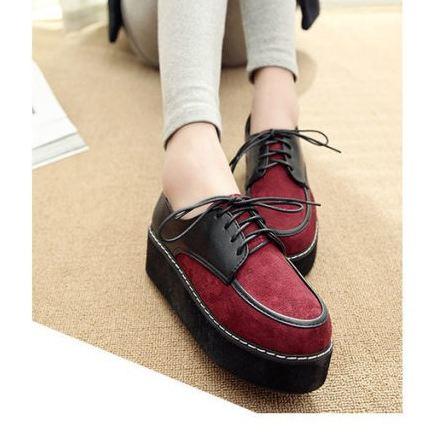 รองเท้าหุ้มส้น ผู้หญิง สีแดงสลับดำ ดีไซน์ เพิ่มความสูงส้นเล็กน้อย รองเท้าผู้หญิง ใส่สบาย แบบเท่ มีเชือกผูกด้านหน้า ใส่เที่ยว ได้สบาย 729898
