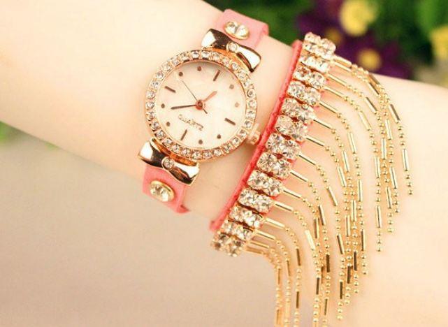 นาฬิกาข้อมือผู้หญิง สายหนังแท้ ประดับเพชร หน้าเรือน ห้อย ระย้า สีทอง นาฬิกาแฟชั่น ผู้หญิง แนว ร็อค นิด ๆ 408957