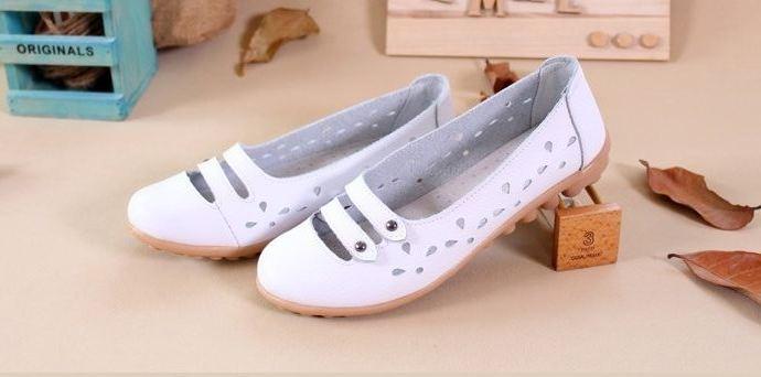 รองเท้าหุ้มส้น ผู้หญิง รองเท้าหนังแท้ ออกแบบ ฉลุลายดอกไม้ รอบ ด้านบนเป็นแบบ สายคาด 2 เส้น สไตล์เกาหลี หวาน ๆ สีขาว no 351745_3
