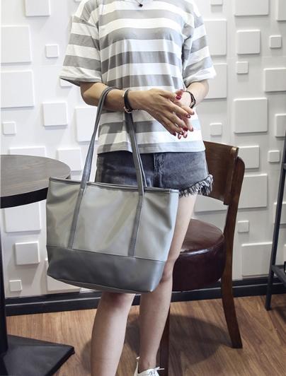 [ พร้อมส่ง ] - กระเป๋าแฟชั่น สีเทาเข้ม ทรง Shopping Bag ใบใหญ่ ดีไซน์สวยเรียบเก๋ งานหนังอย่างดีคุ้มค่าเกินราคา
