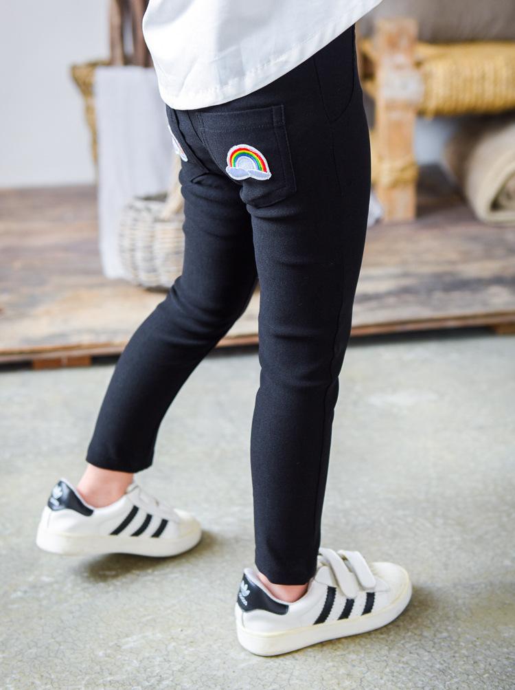 กางเกงเลคกิ้งขายาว สีดำ ปักลายสายรุ้งน่ารัก ติดกระเป๋าด้านหลัง
