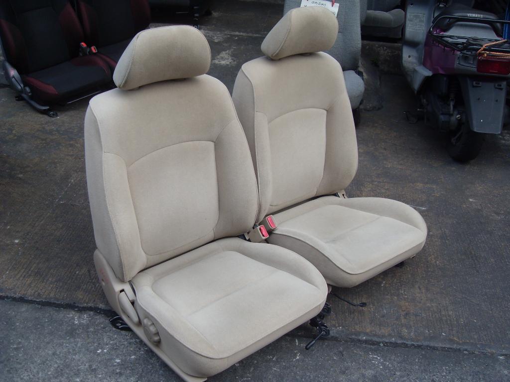 Nissan Neo เบาะNissan Neo เบาะNeo สีครีมพื้นเรียบ เบาะนิสสัน นีโอ เบาะNeo ราคาตามข้างล่างเป็นราคาต่อคู่นะครับ
