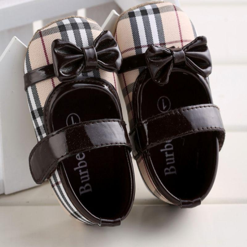 (Sale - size 2) รองเท้าอ BURBERRY (girl)