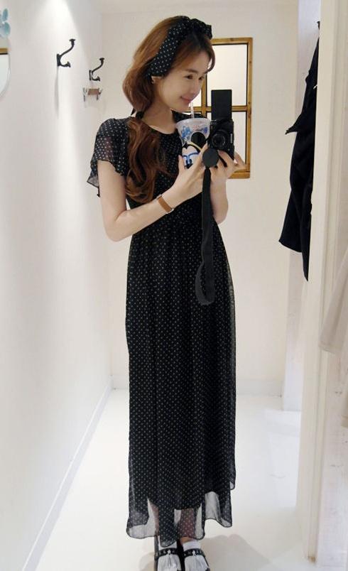 """""""พร้อมส่ง""""เสื้อผ้าแฟชั่นสไตล์เกาหลีราคาถูก Brand Ouremu แม๊กซี่เดรสชีฟองลายจุด ระบายช่วงอก หลังและแขน ซิปหลัง มีซับในทั้งตัว มีผ้าผูกเอวให้่ค่ะ สวยมาก -สีน้ำเงิน"""