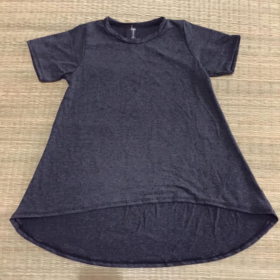 """""""พร้อมส่ง""""เสื้อผ้าแฟชั่นราคาถูก เสื้อแขนสั้น หน้าสั้นหลังยาว สีเทาดำ"""