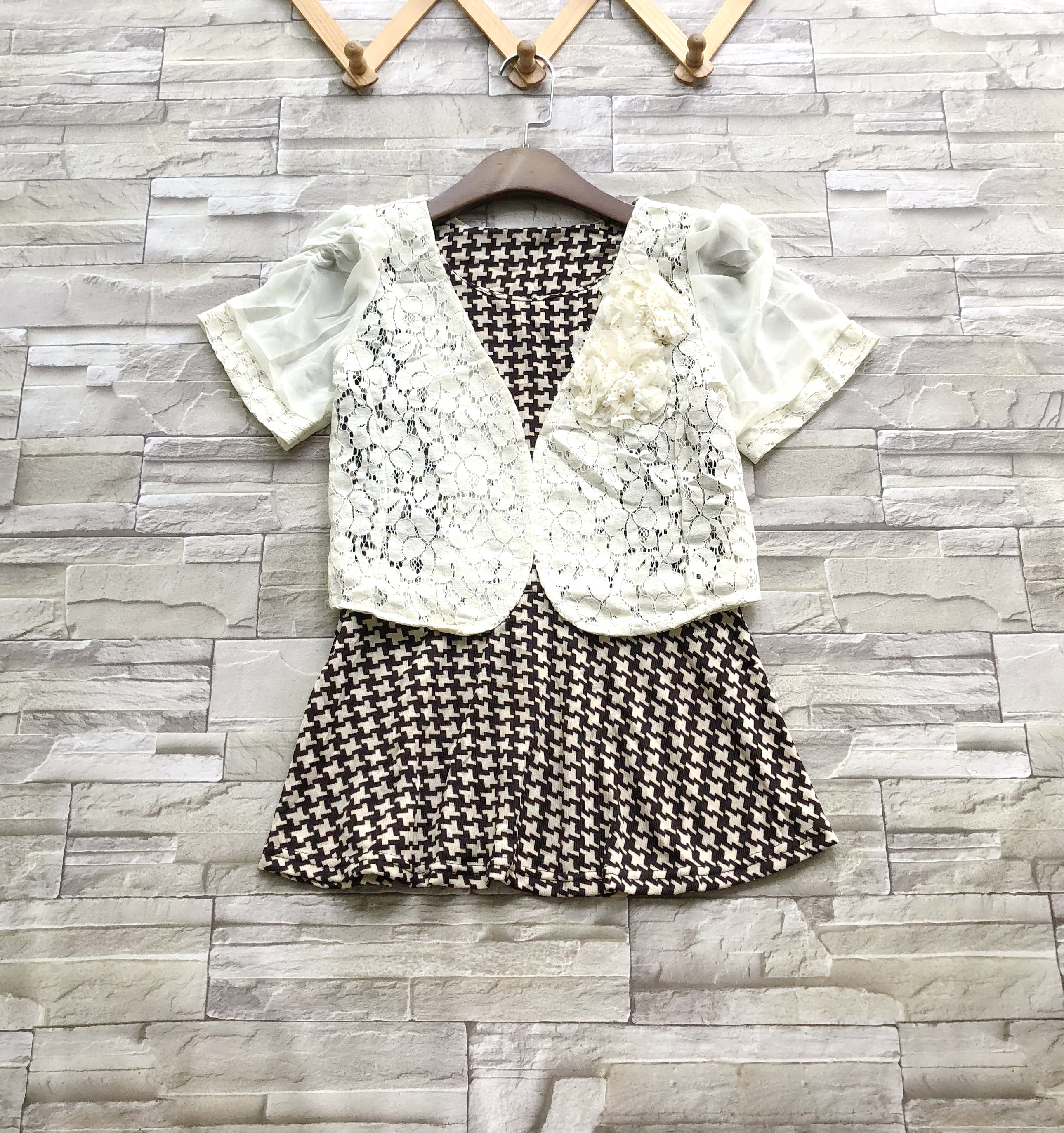 ส่ง:งานจีนเช็ท2ชิ้น/เสื้อknitเก๋ๆลายชิโนริ+เสื้อคลุมลูกไม้อก32-36