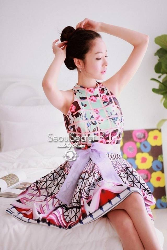 Multicolored Sleeveless Dress & Purple Ribbon by Seoul Secret