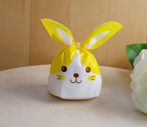 ถุงหูกระต่าย ถุงเบเกอรี่ ถุงขนมบิสกิต กระต่ายน้อยน่ารัก สีเหลือง 100 ใบ/ห่อ (Size : 13.5*22+6 cm.)
