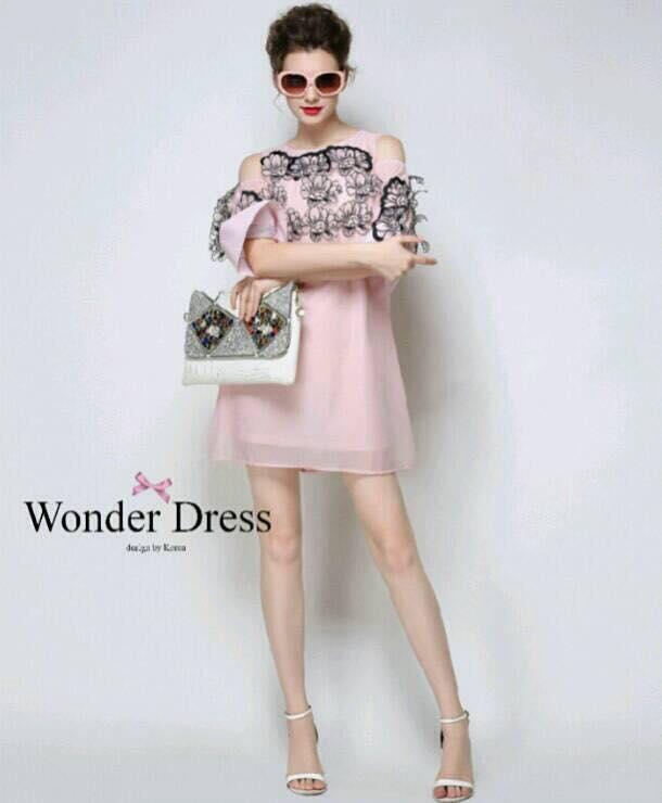 ชุดเดรสเกาหลี พร้อมส่งเดรสทรงสวยสีชมพูโอรส