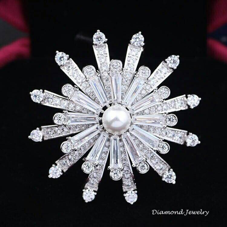 พร้อมส่ง Diamond Brooch เข็มกลัดงานเพชร CZ แท้ประดับมุก