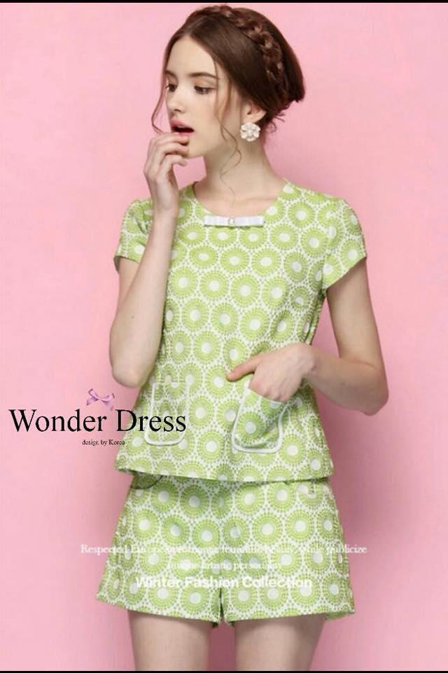 เสื้อผ้าเกาหลี พร้อมส่ง ชุดเข้าเซท เนื้อผ้าปั๊ม ลายนูนเป็นลายดอกไม้สีเขียวแบบนูน