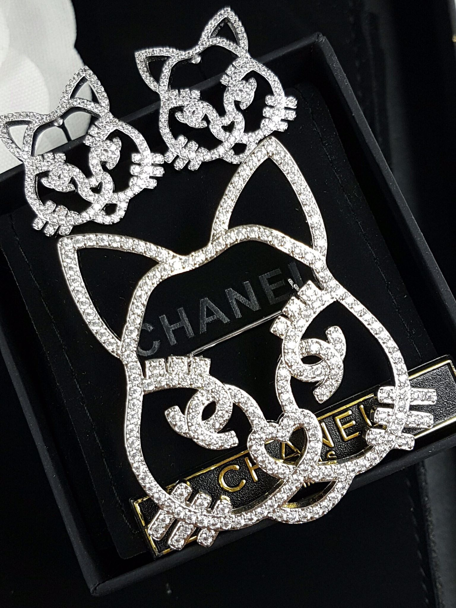 พร้อมส่ง diamond Chanel brooch &Earring เข็มกลัด/ต่างหู ชาแนล