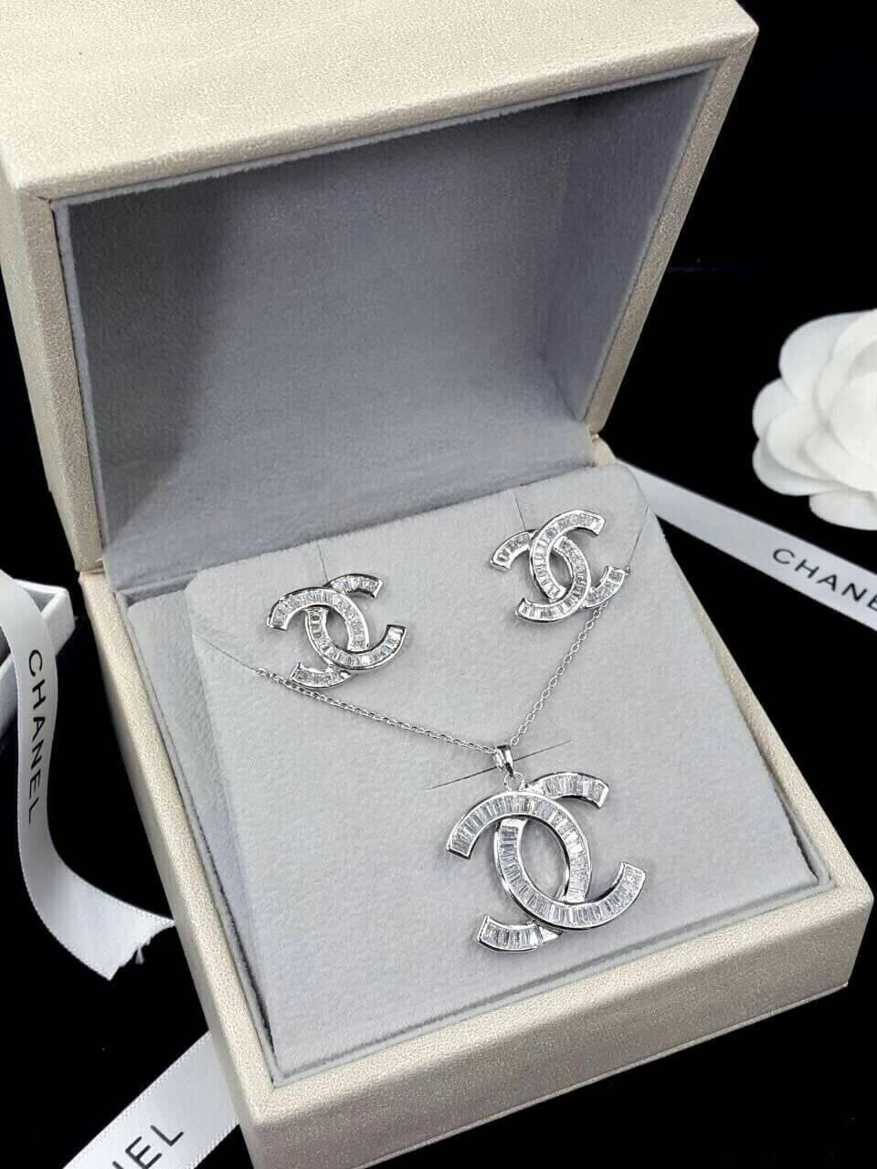 พร้อมส่ง Chanel Earring งานเกรดซุปเปอร์ไฮเอนคะ งานเพชร CZ แท้