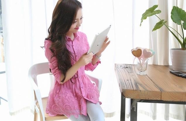 เสื้อเชิ้ตลูกไม้จั้มเอวชายระบายพองลูกไม้ สีชมพู(Pink)