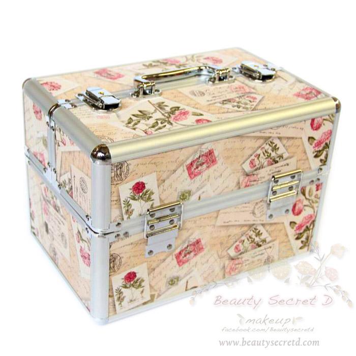 BEAUTY SECRET D Professional Cosmetic Case BX001 กระเป๋าใส่เครื่องสำอางค์วินเทจ (สีเบจ)