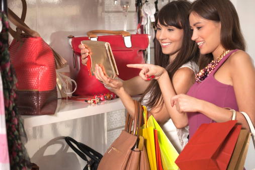 กระตุ้นเศรษฐกิจปลายปี ลดหย่อนภาษีให้กับผู้ซื้อสินค้า