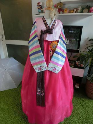 "Hanbok พรีเมี่ยมฮันบกผ้าไหม รุ่น Rainbow01 อก 38"" สูง 167"