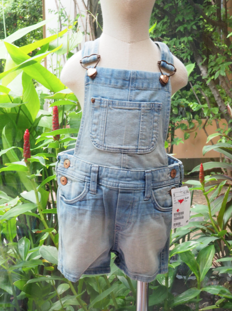 H&M (ชุดเอี๊ยม ) size 5-6T