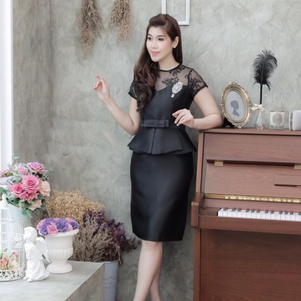 ชุดเดรสสีดำสวยๆ ทรงเข้ารูป แขนสั้น เอวแต่งระบาย ใส่ออกงาน ใส่ทำงาน ลุคเรียบร้อย สวยสุภาพ ดูดี ราคาถูก