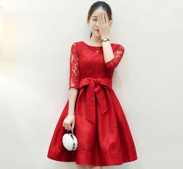 ชุดเดรสสีแดง ผ้าลูกไม้ผสมผ้าไหมเกาหลี แขนยาว ลุคเรียบๆ สวยหรูดูดี ใส่ไปงานแต่งงาน งานเลี้ยง ราคาถูก