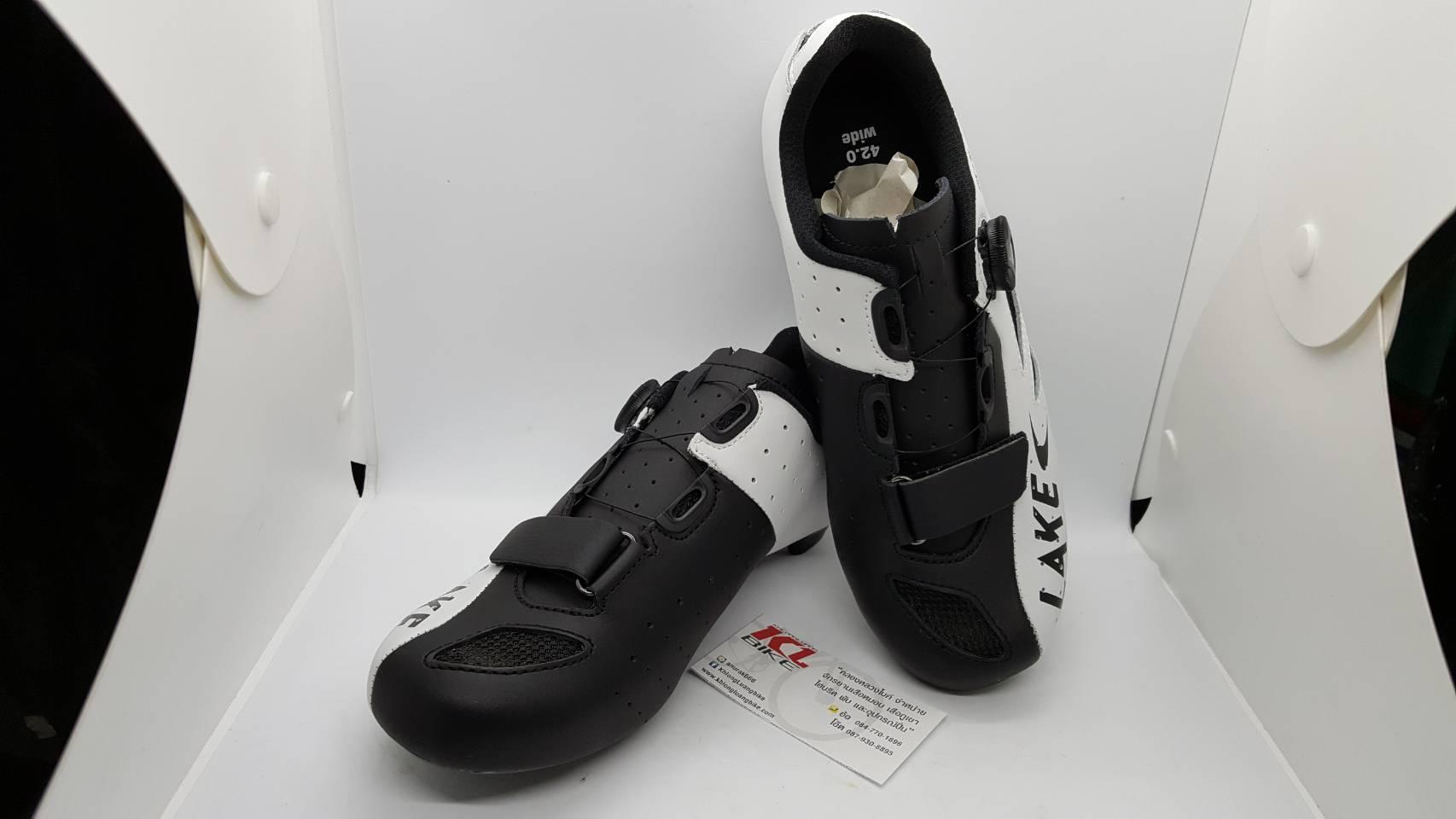 รองเท้าคลีตหน้ากว้าง ยี่ห้อ Lake รุ่น CX176 สีขาวดำ