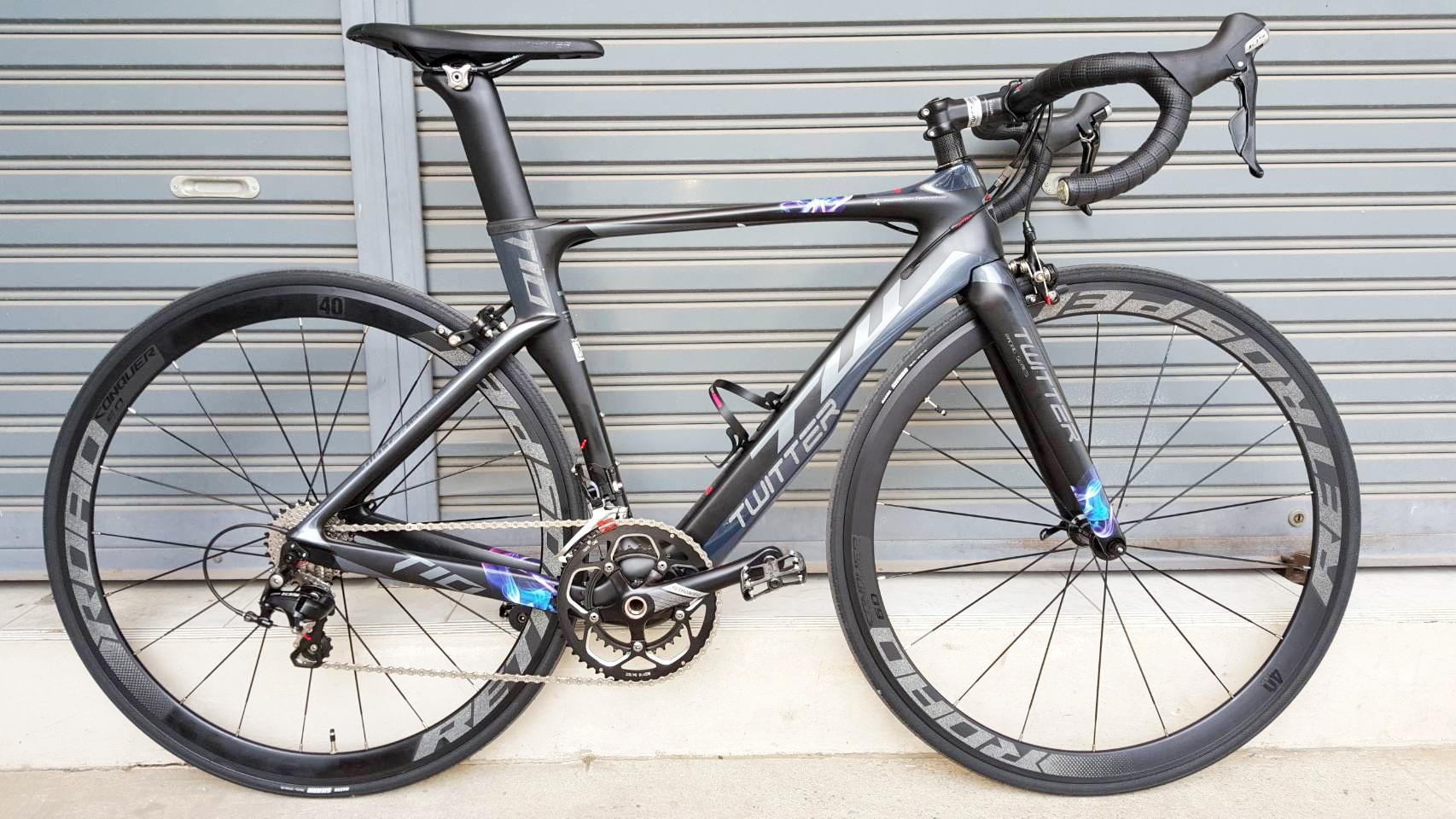 จักรยานเสือหมอบ Twitter T10 เฟรม Carbon สีดำเทาไททาเนียม ชุดเกียร์ Shimano 105 22 Speef ไม่กรุ๊ปเซ็ต ดุมล้อแบริ่ง กระโหลกกลวง Pressfit