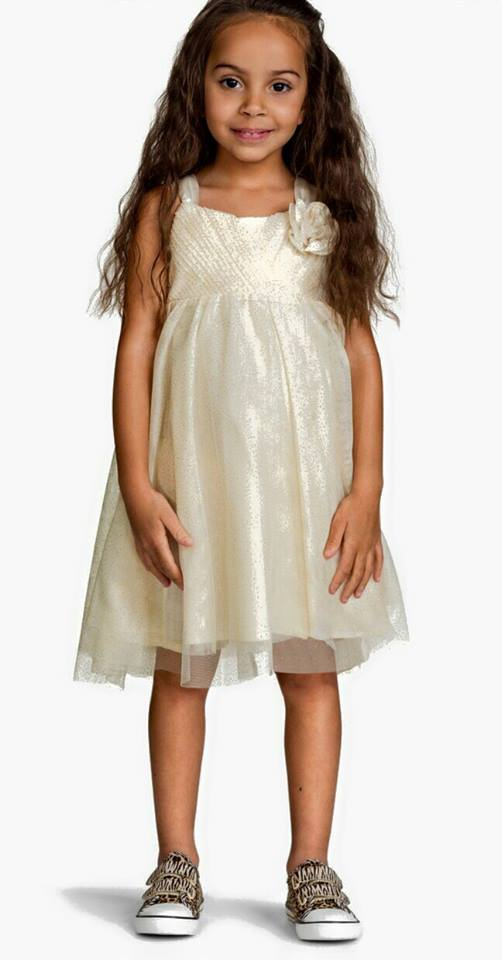 H&M : tulle เดรส สีครีม Size : 6-8y