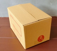 กล่องไปรษณีย์ฝาชนเบอร์ 0+4 ขนาด 11 X 17 X 12 cm. ใบละ 2.6 บาท