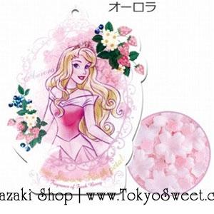 พร้อมส่ง ** Disney Princess Bloom Shower Bath Petal [Aurora - Fresh Berry] ดอกไม้หอมกลิ่นเฟรชเบอร์รี่ มาในแพคเกจรูปเจ้าหญิงออโรร่า ใช้โปรยลงอ่างอาบน้ำเพื่อทำให้น้ำมีกลิ่นหอมอโรม่าและอ่างอาบน้ำฟองฟู่