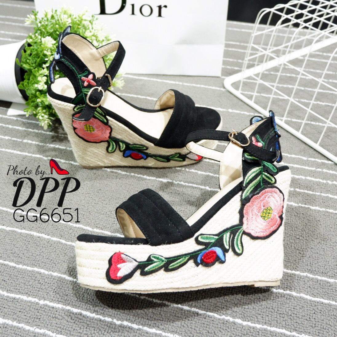 รองเท้าส้นเตารีด Platform GC (สีดำ)