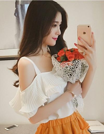 เสื้อแฟชั่น สายเดี่ยวแต่งอกระบายสวยหวานสไตล์เกาหลี- 1580-สีขาว