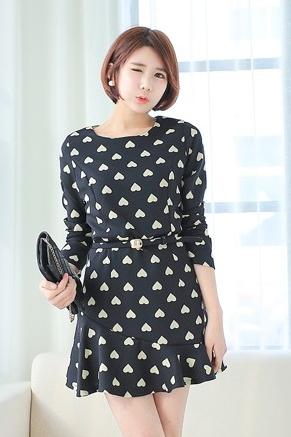 ชุดเดรสสั้น ผ้าเกาหลี ลายหัวใจ แขนยาว คอกลม ชุดเดรสสีดำ