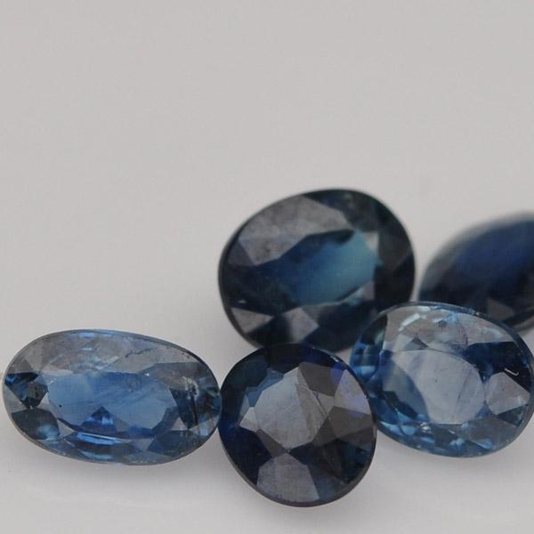 พลอยไพลิน (Blue Sapphire) พลอยธรรมชาติแท้ น้ำหนัก 2.00 กะรัต