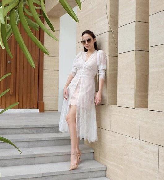 เสื้อผ้าแฟชั่นเกาหลี Lady Ribbon Thailand Normal Ally Present E.S.B lace new collection dress