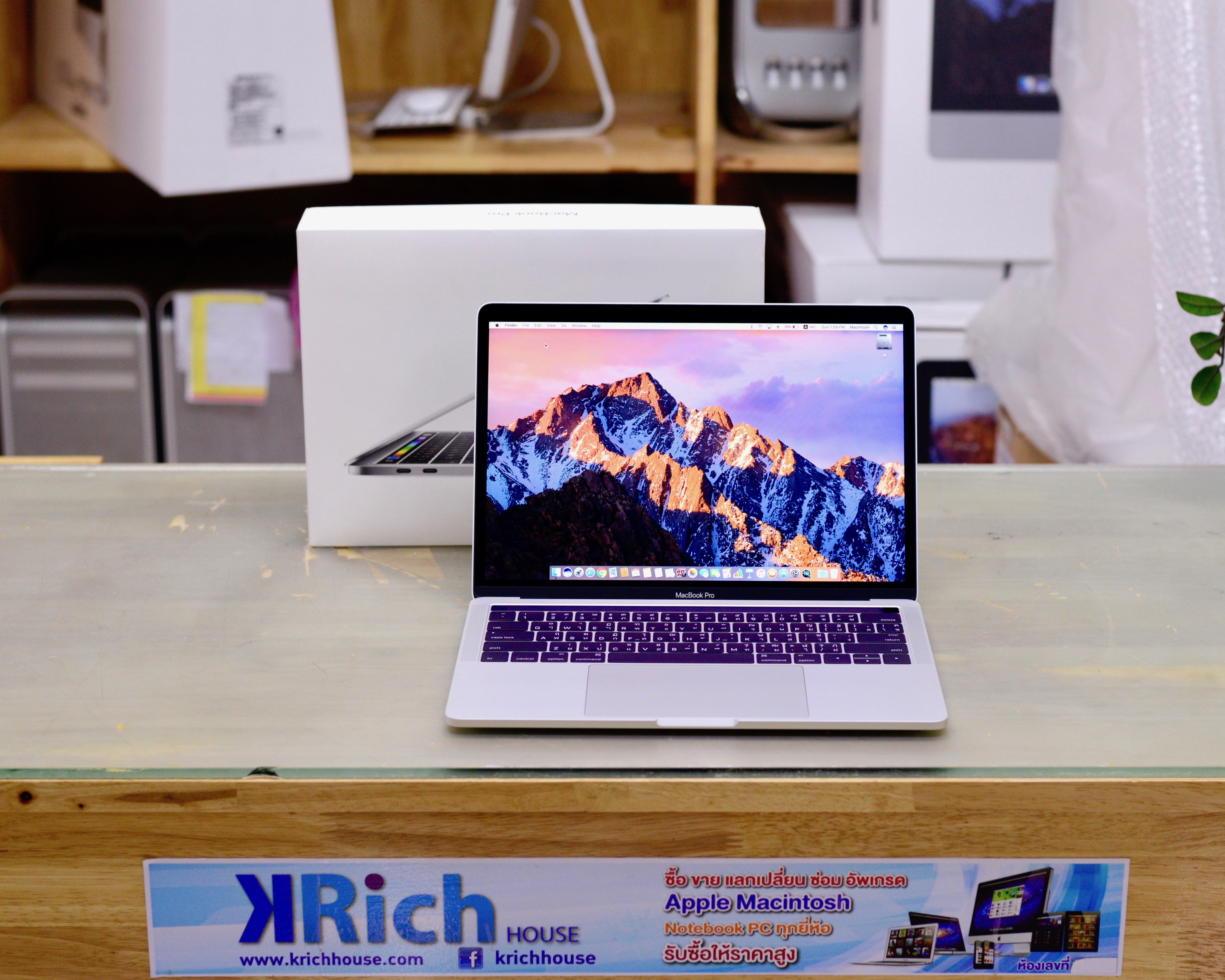 MacBook Pro Retina 13-inch Late2016 TouchBar สี Silver Core i5 2.9GHz RAM 8GB SSD 256GB + Apple Care 13-02-2020 Fullbox