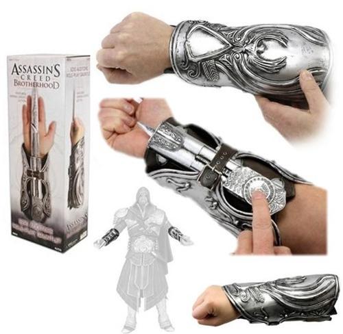 Hidden Blade Assassin's Creed Brotherhood Ezio Auditore Gauntlet NECA