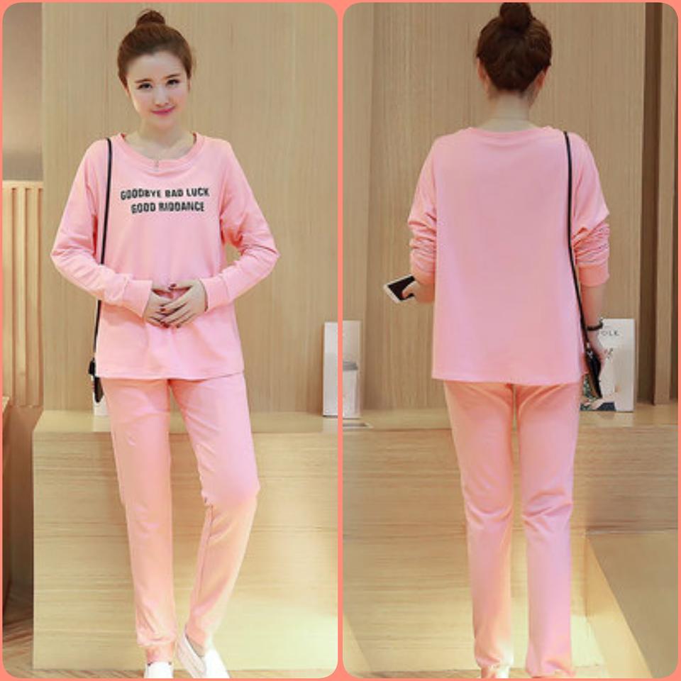 เสื้อคลุมท้องสีชมพูสกีนลาย+ก่งเกงขายาวสีชมพูจั้มปลายขา ผ้าใส่กับอากาศเมืองไทยไม่ร้อนค่ะ ผ้าไม่หนามาก