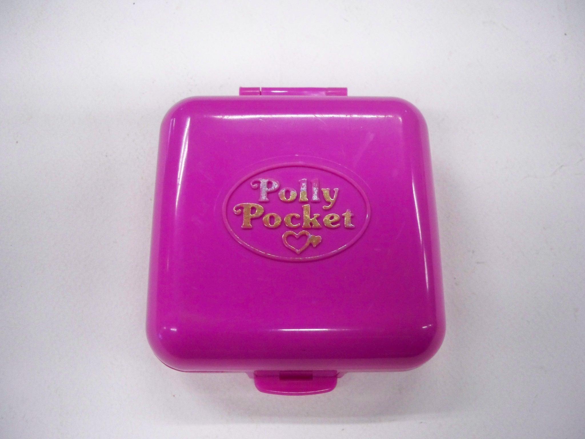 polly pocket กล่องสี่เหลี่ยมสีชมพู