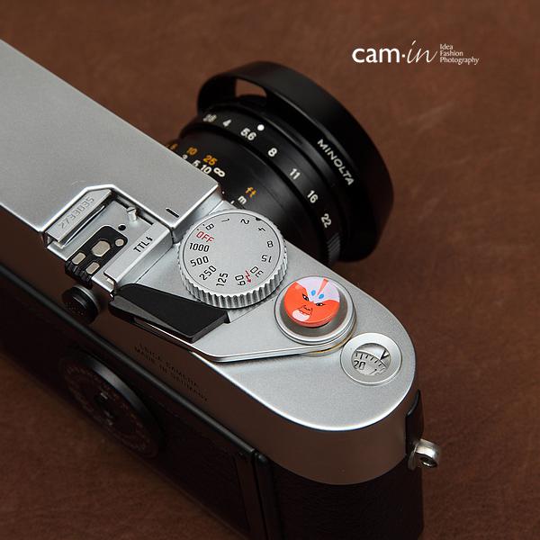 ปุ่มกด Soft Shutter Release Button รุ่น 11 mm ลายนักพรตเซ็นส้ม ใช้กับ Fuji XT20 XT10 XT2 XE2 X20 X100 XE1 Leica ฯลฯ
