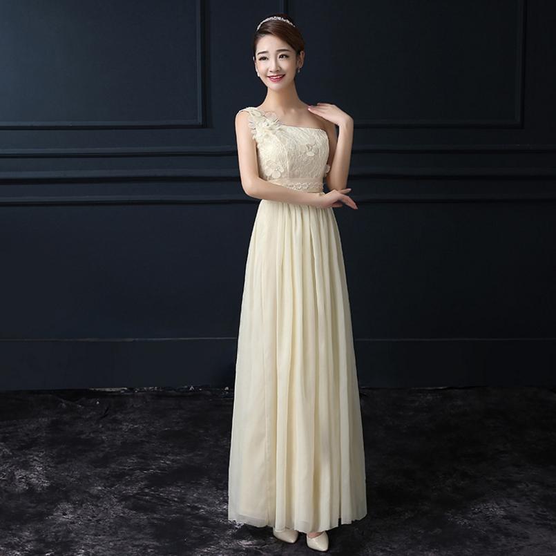ชุดราตรียาวสีครีม ไหล่ปาดเฉียงข้าง ลุคสวยสง่า ดูดี เหมาะสำหรับชุดใส่ออกงาน ไปงานแต่งงานแต่งงาน ธีมงานสีครีมเบจ