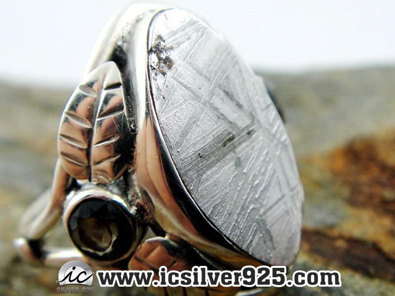 ▽หินดาวตกกีเบียน GIBEON METEORITE-แหวนเงินแท้ 925 (แหวนเบอร์ : 56, 4.9g)