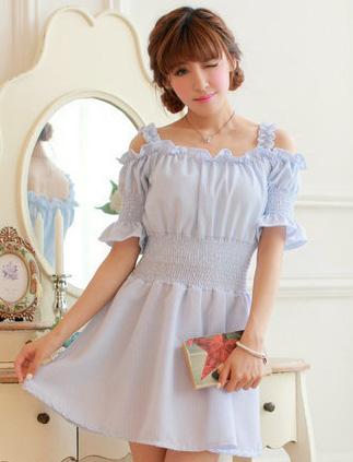 ชุดเดรสสั้นเกาหลีน่ารักลายตาราง สีฟ้าขาว สายเย็บระบายยืดได้ แขนจั๊มแบบแขนตุ๊กตา เอวสม๊อก ผ้าโพลีเอสเตอร์