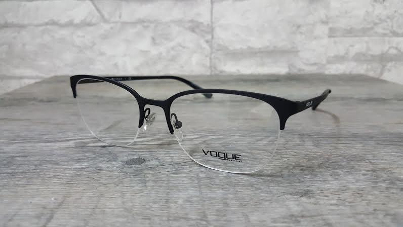 Vogue vo 3988 352 โปรโมชั่น กรอบแว่นตาพร้อมเลนส์ HOYA ราคา 2,500 บาท