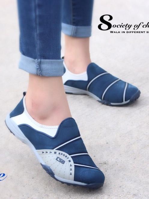 รองเท้าผ้าใบผู้หญิง สไตล์สปอร์ตเกิร์ล (สีน้ำเงิน )