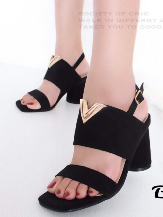 รองเท้าส้นสูงรัดส้น ผ้าสักหราดนิ่ม ส้นกลม (สีดำ )