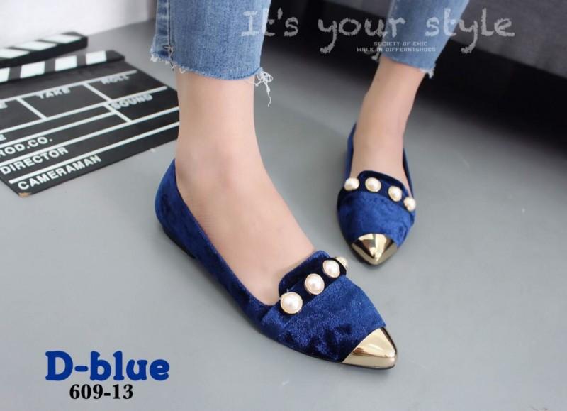 รองเท้าคัทชูส้นเตี้ยหัวแหลมสีน้ำเงิน กำมะหยี่นิ่ม หน้าประดับมุข (สีน้ำเงิน )