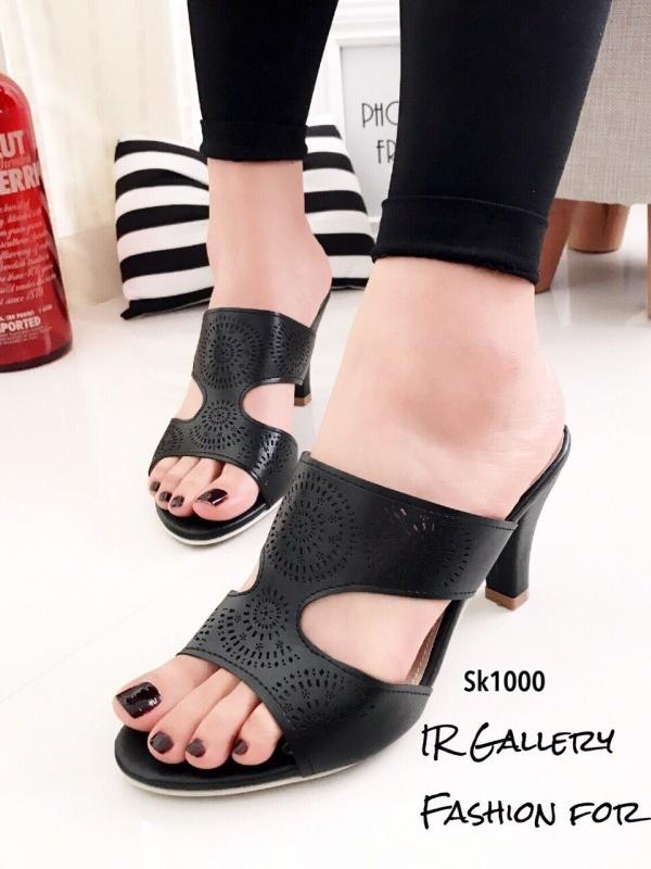 รองเท้าส้นสูง หนังฉลุลายสไตล์วินเทจ (สีดำ )